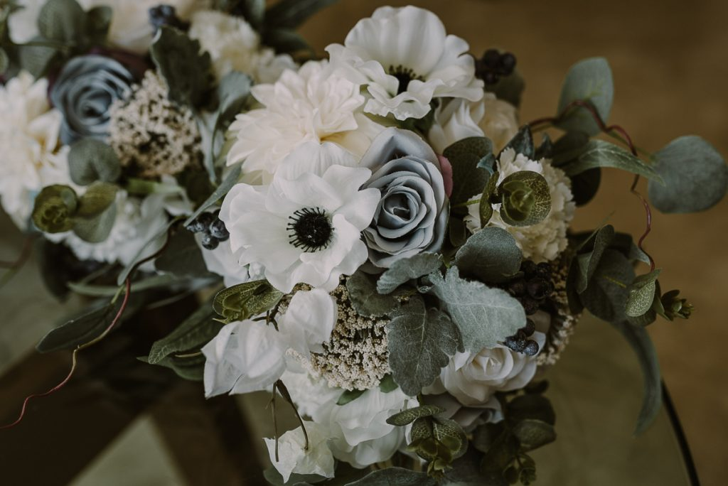 Winter bridal bouquet at Moon Palace Nizuc Wedding by Caro Navarro Photography