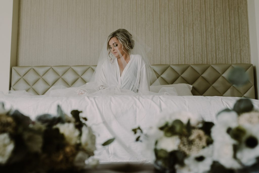 Bridal portraits with veil at Moon Palace Wedding by Caro Navarro Photography