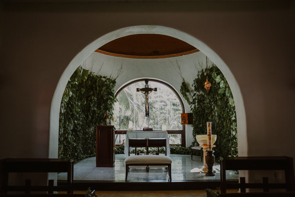 Nuestra Señor del Carmen wedding chapel in Playa del Carmen. Caro Navarro Photography