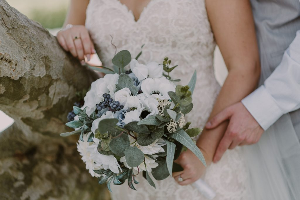 Winter wedding bouquet at Moon Palace Resort, Cancun, Mexico. Caro Navarro Photography