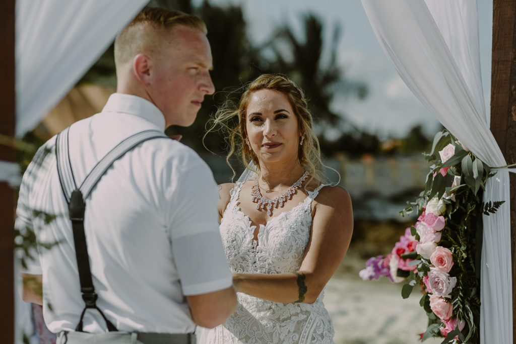 Beach wedding ceremony at Now Sapphire Riviera Cancun, Mexico. Caro Navarro Photography