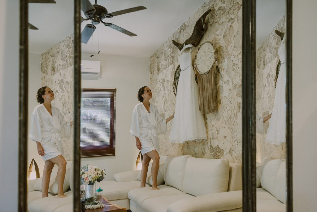 Bride getting ready at Jardin del Mar, Riviera Maya Wedding by Caro Navarro Photography