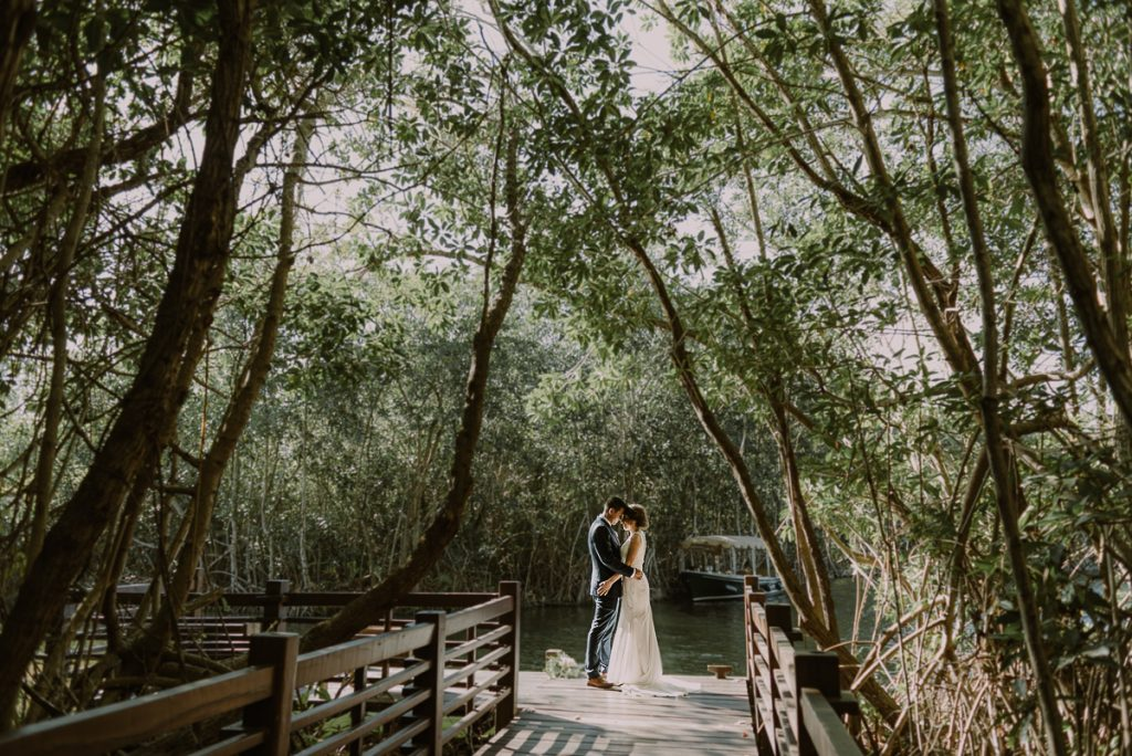 Bride and groom portraits at Banyan Tree Mayakoba, Mexico. Caro Navarro Wedding Photography