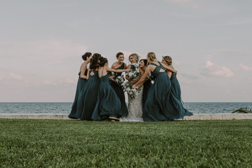 Bridal party photos at Moon Palace Nizuc Wedding by Caro Navarro Photography