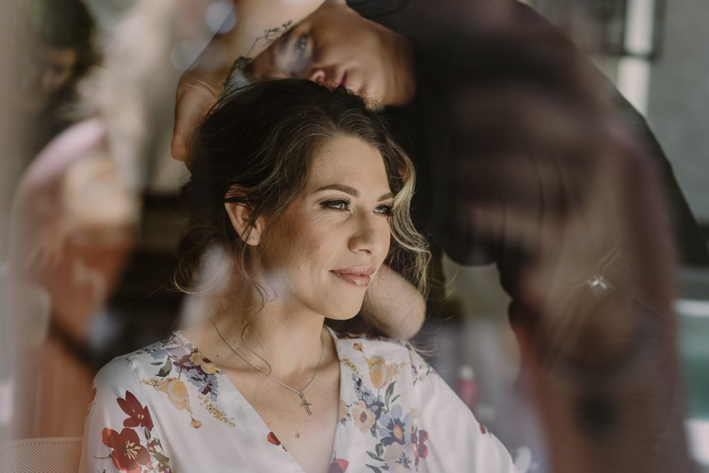 Bride getting ready at Heritage Fairmont Mayakoba. Caro Navarro Photography