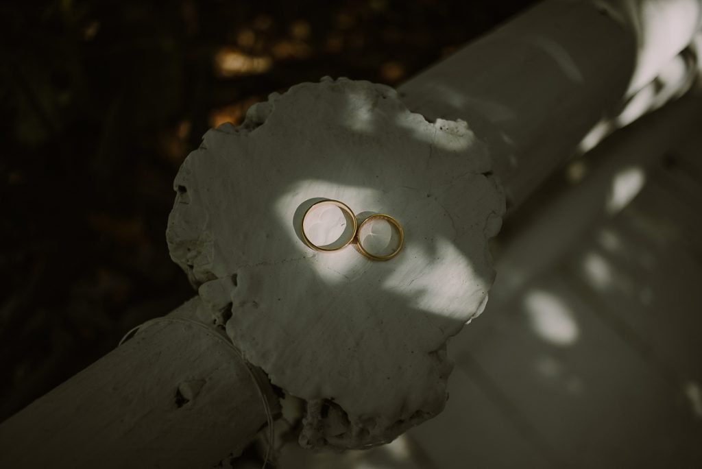 Wedding rings at Banyan Tree Mayakoba, Mexico. Caro Navarro Photography