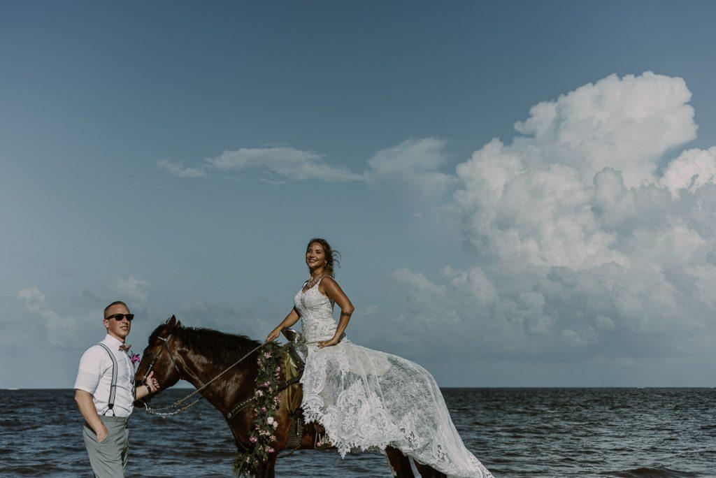 Horse wedding at Now Sapphire, Mexico. Caro Navarro Riviera Maya Wedding Photography