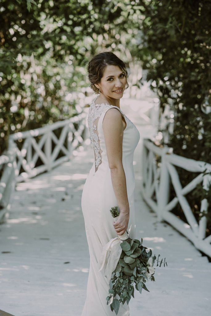 Bride portraits at Banyan Tree Mayakoba, Mexico by Caro Navarro Photography