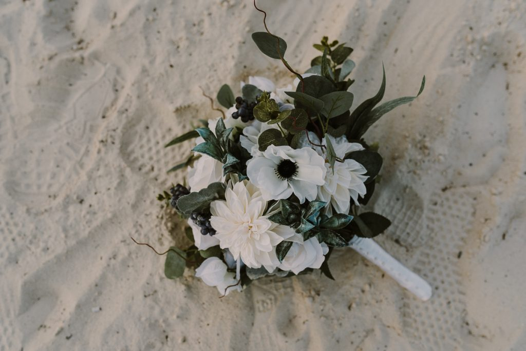 Bridal bouquet at Moon Palace Nizuc Cancun Wedding by Caro Navarro Photography