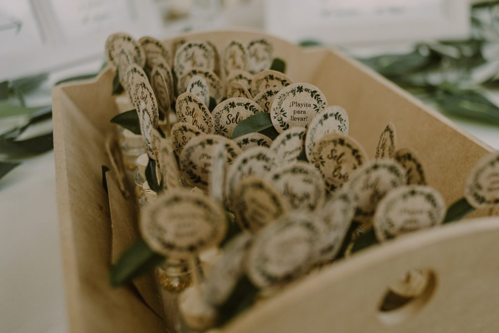 Wedding eco gifts at Playa del Carmen Green Wedding by Caro Navarro Photography