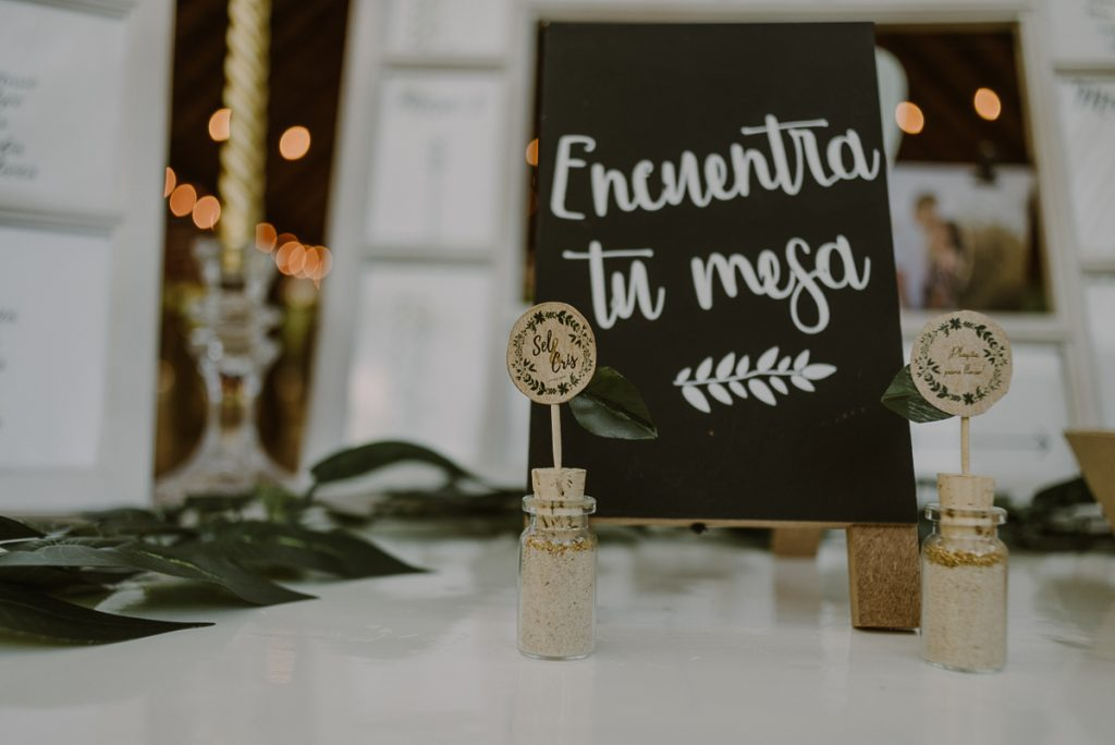 Eco-Friendly table cards at Playa del Carmen Green Wedding in Mexico. Caro Navarro Photography