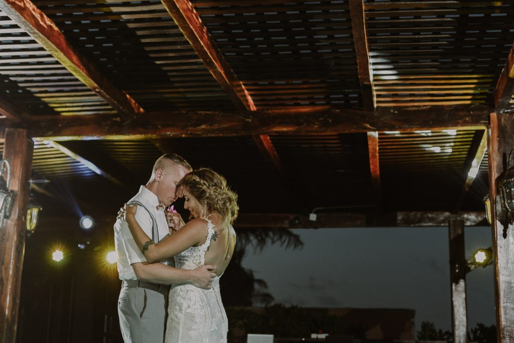Bride and groom first dance at Now Sapphire Riviera Cancun Wedding. Caro Navarro Photography