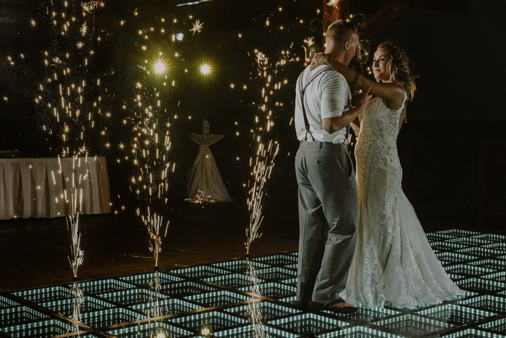Bride and groom first dance with cold fire works at Now Sapphire Riviera Cancun. Caro Navarro Photography