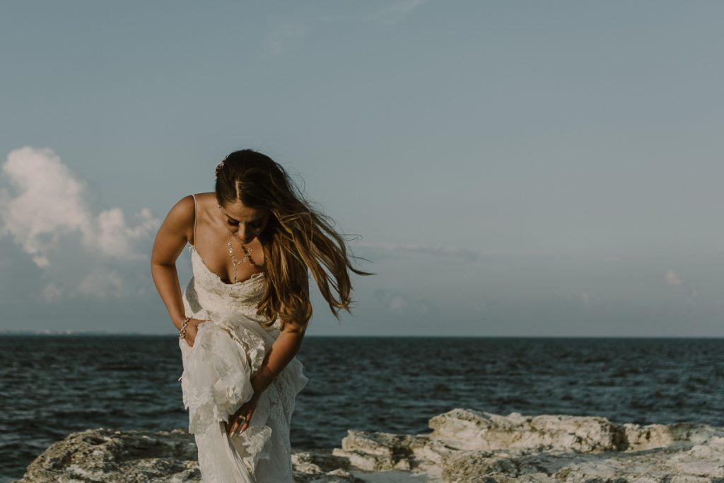 Beach bride portraits. Riu Caribe destination wedding by Caro Navarro Photography