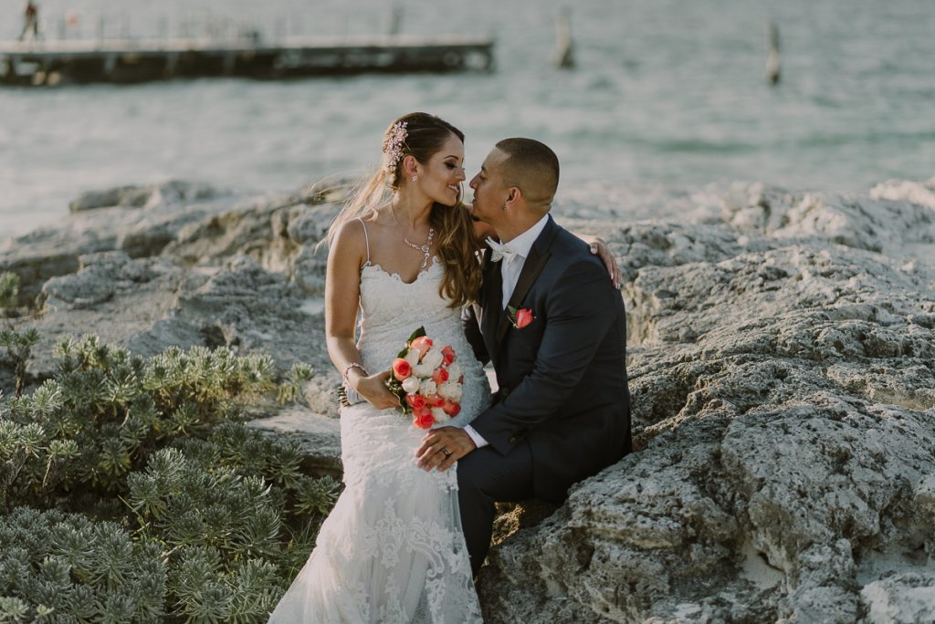 Destination Bride and groom beach portraits. Riu Caribe wedding by Caro Navarro Photography