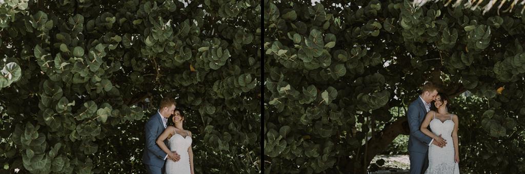 Bride and groom photos at Royalton Riviera Cancun Wedding. Caro Navarro Photography