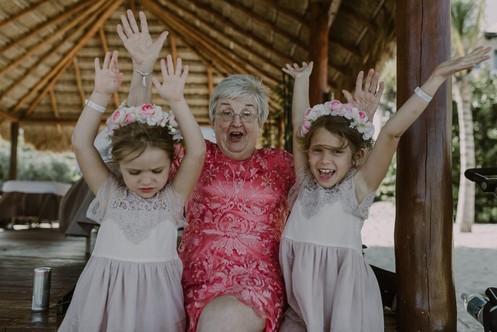 Flower girls and grandma. Royalton Riviera Cancun Wedding by Caro Navarro Photography