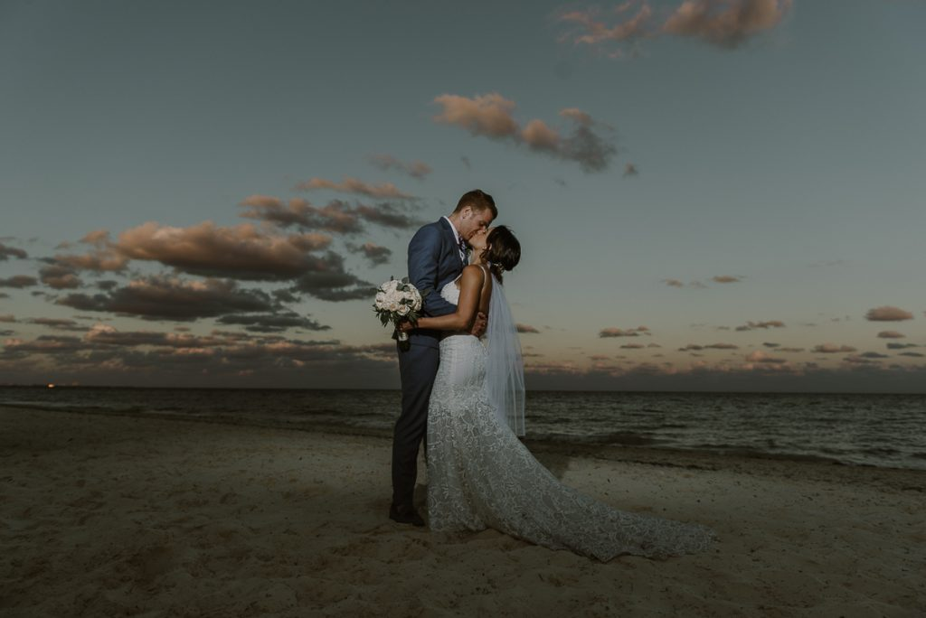 Bride and groom sunset portraits at Royalton Riviera Cancun, Mexico. Caro Navarro Photography