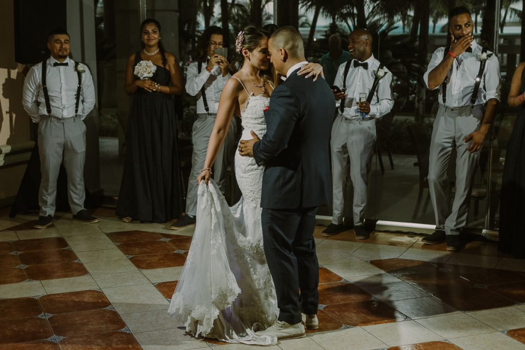 Bride and groom first dance. Riu Caribe Cancun wedding reception by Caro Navarro Photography