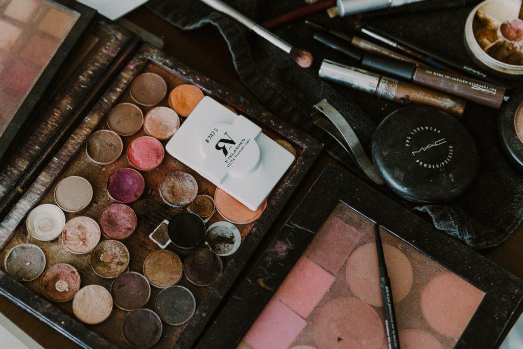 Wedding makeup palette at Royalton Riviera Cancun, Mexico. Caro Navarro Photography