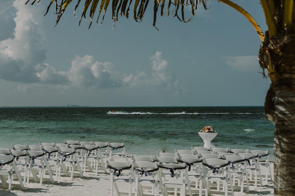 Riu Caribe Cancun beach wedding decor. Caro Navarro Photography