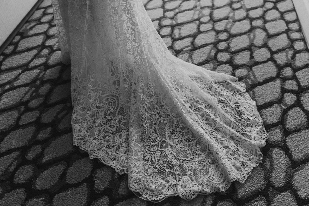 Lace wedding dress at Royalton Riviera Cancun, Mexico. Caro Navarro Photography