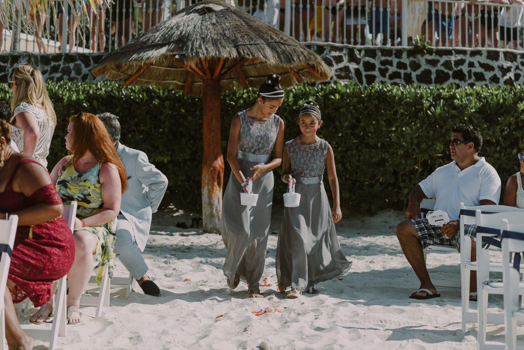 Flower girls at Riu Caribe Cancun Destination Wedding by Caro Navarro Photography