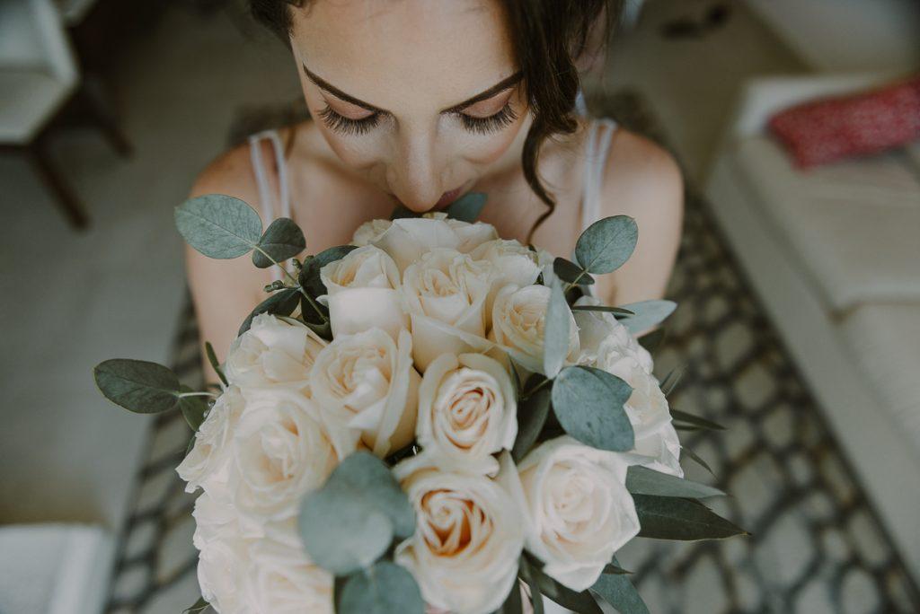 Bride and bouquet photo ideas at Royalton Riviera Cancun Wedding. Caro Navarro Photography