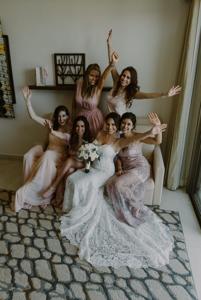 Bride and bridesmaids at Royalton Riviera Cancun Wedding. Caro Navarro Photography