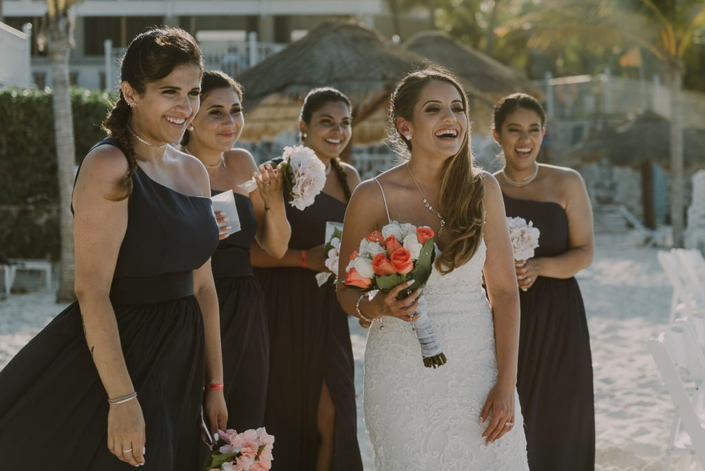 Bridal party at Riu Caribe Cancun beach destination wedding by Caro Navarro Photography