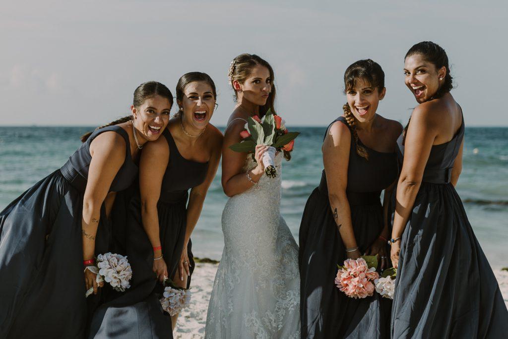 Bridal party portraits at Riu Caribe Cancun beach destination wedding by Caro Navarro Photography