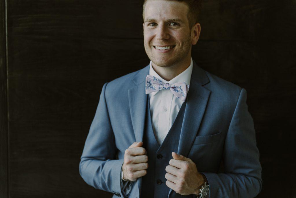 Groom portraits at Royalton Riviera Cancun Wedding. Caro Navarro Photography