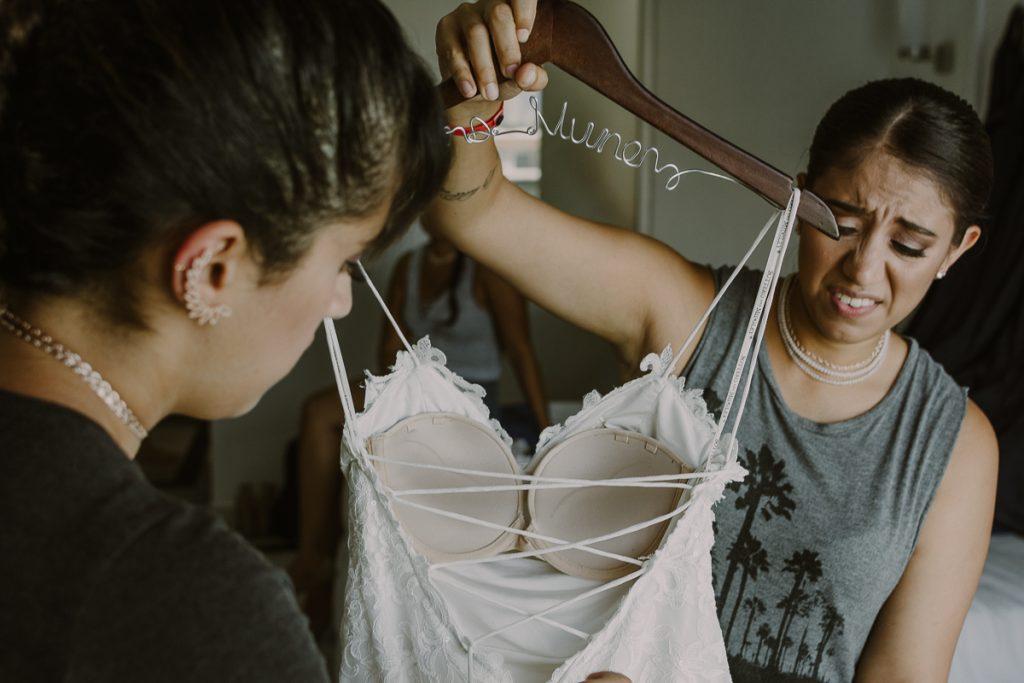 Bride getting ready at Riu Caribe, Cancun. Caro Navarro Wedding Photography