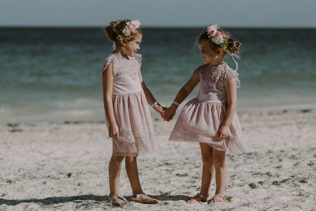 Cute pink flower girls at Royalton Riviera Cancun Wedding. Caro Navarro Photography